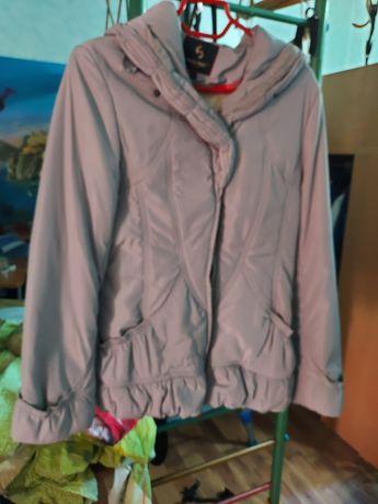 Курточка в идеальном состоянии на девочку подростка