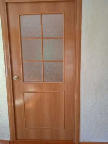 Срочно продаются бу двери очень хорошее состояние