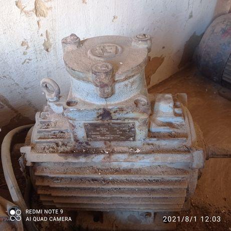 Мотор на 380 СССР
