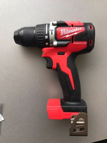 Безчетков Винтоверт – Бормашина Milwaukee M18 CBLPD-0, 60Nm