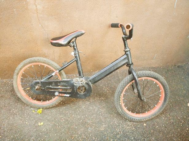 Велосипед.         .