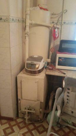 Котёл, печка на газу в хорошем состояний