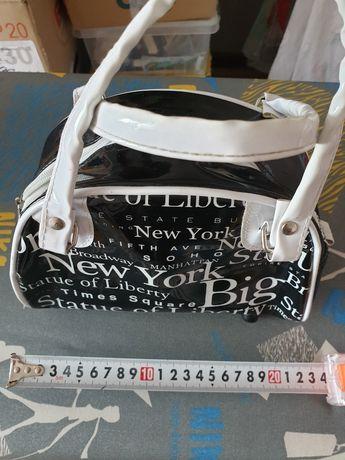 Продам сумочки дамские