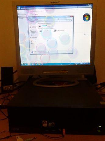 Компютър Fujitsu Esprimo/3Gb/160Gb комплект с монитор 17 инча