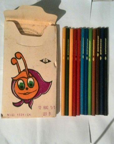 Vând sau schimb cutie cu creioane colorate din perioada comunismului.