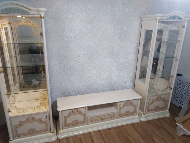 Сборка и разборка мебели любой сложности.