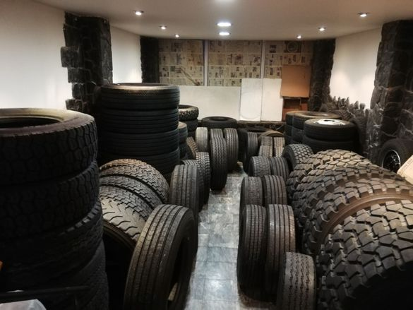 Тежкотоварни гуми R17.5 R19.5 R20 R21 R22.5 Лекотоварни R14CR15C R16C