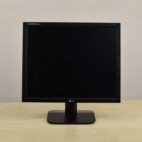 Мониторы для видеонаблюдения в рабочем состоянии 19