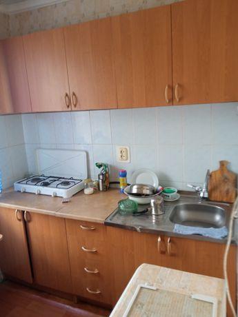 Продам квартиру в хорошем районе полностью с обстановкой.