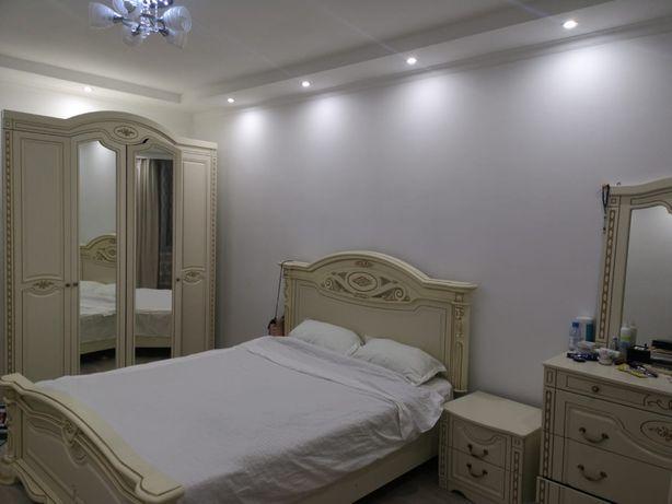 Срочно продам спальный гарнитур в отличном сомтоянии