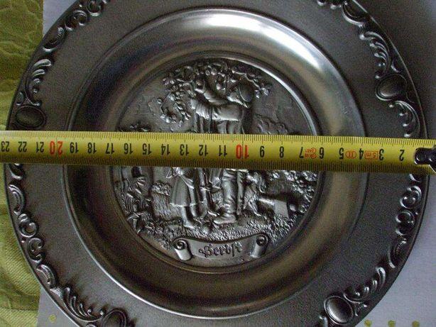 Platou vechi ornamental din germania metal argintiu