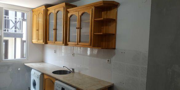 Кухненски шкафове бял бор + плот и мивка