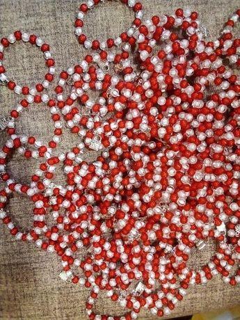 Мартеници, гривни на ластик
