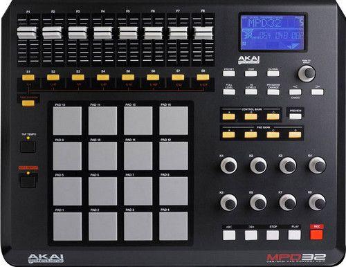 MIDI-контроллер AKAI MPD32