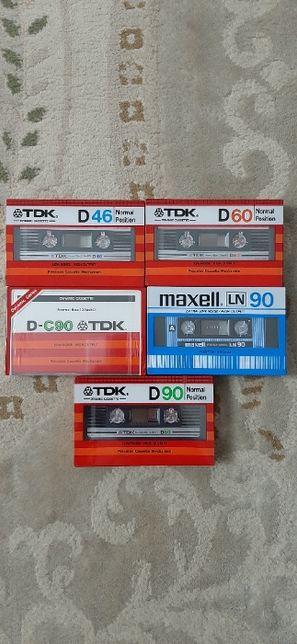Продам винтажные компакт кассеты.