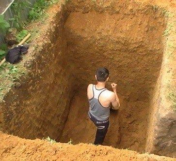 копаем ямы траншеи септик ямы могилы