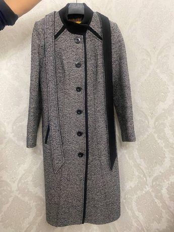 Женское теплое, красивое пальто