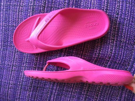 CROCS Iconic Comfort J3 номер 35 розови джапанки чехли