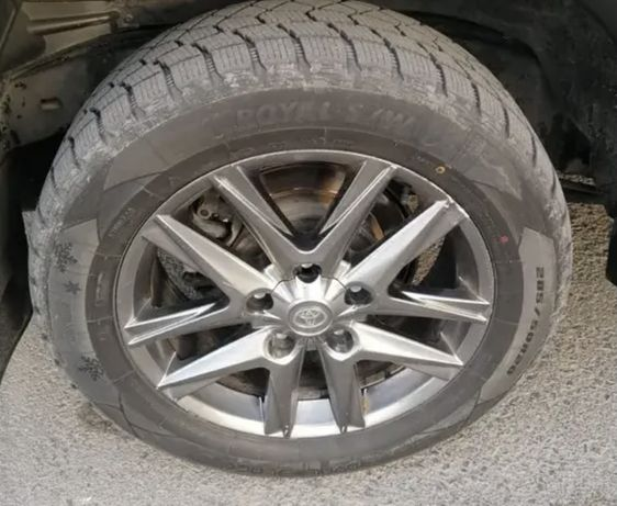 Диска с шиной для запаски  land gruser 100 и 200 тойота