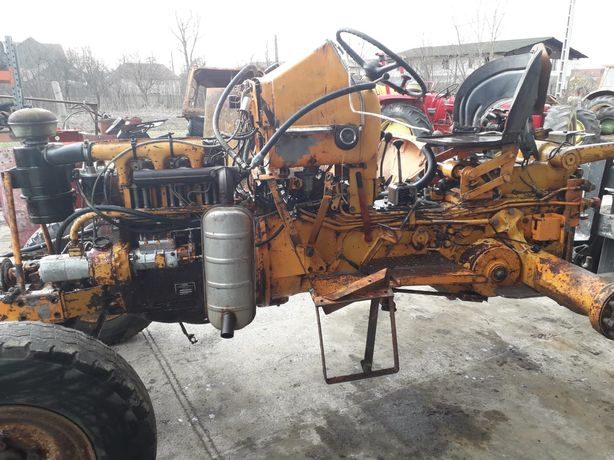 Piese tractor Renault 651