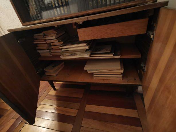 Советский книжный шкаф