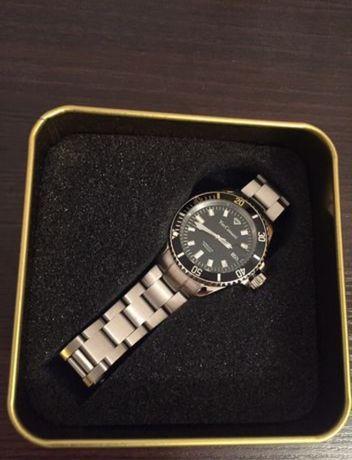 Часы Yves Camani