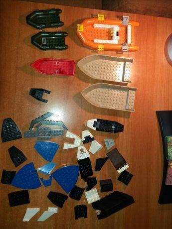 Vand elemente de constructie pt barci tip Lego (fara barca galbena!)
