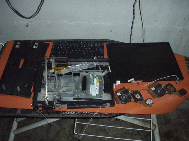 Dezmembrez Lenovo R500 Core 2 Duo T6670 2.2 Ghz