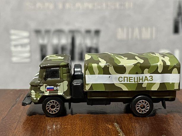 Модель машины ГАЗ 66 со съемным тентом