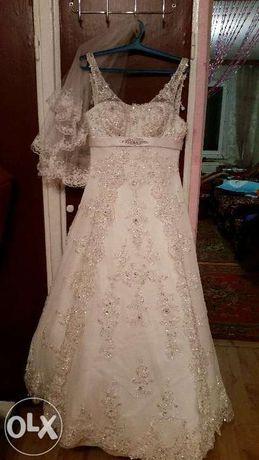 Яркое Шикарное свадеб. платье 15 000