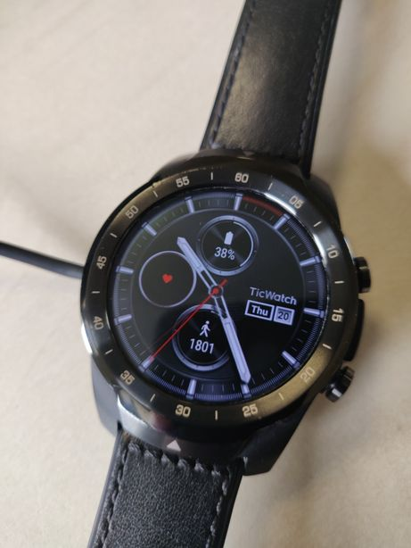Smartwatch Ticwatch Pro Black cu Android Wear schimb cu Apple watch