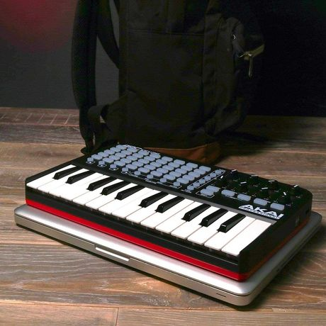 Midi клавиатура Akai Pro APC KEY 25