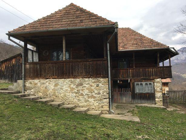 Casa de vanzare(panorma superba) + teren