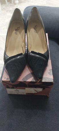 Туфли чёрные  ,  босоножки,  женские