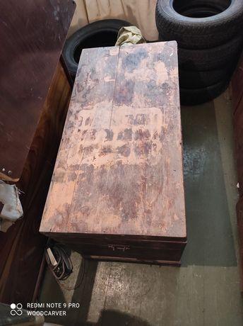 Дървен сандък- запазен