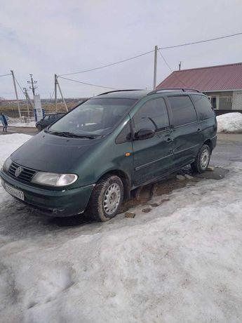 Автомобиль VW Sharan