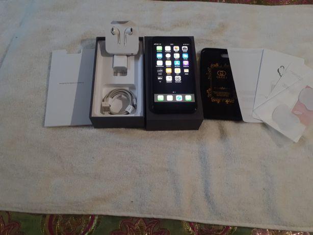 Продам или обмен Айфон 8+ как новый полный комплект оргинал