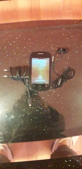 Telefonul Yomy făcut de ALCATEL Necodat