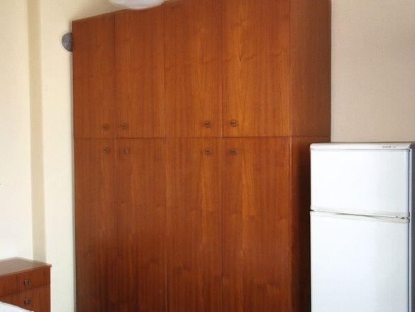 Четирикрилен гардероб много запазен