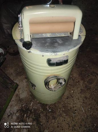 Продаётся стиральная машинка Алмата в отличном состоянии как новый.