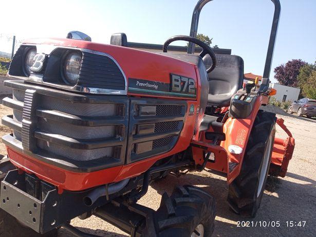 Tractor japonez 4x4 Kubota B72 cu freza