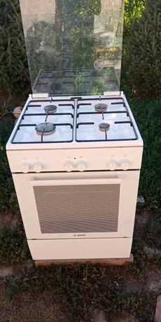 Продам газовую плиту Бош