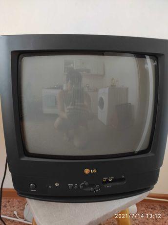Продам НОВЫЙ цветной телевизор LG CF-14F69