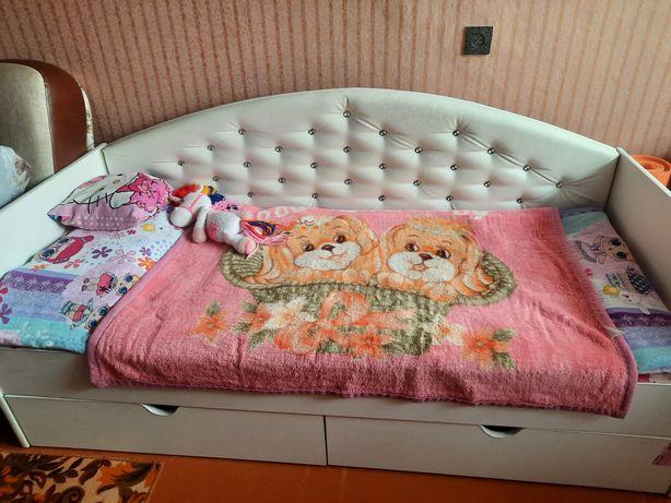 Продам детский кровать для девочкий