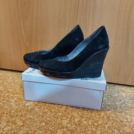 Продам б/у  обувь