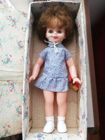 Много стара кукла като жива. Която е и чисто нова. За колекционери.