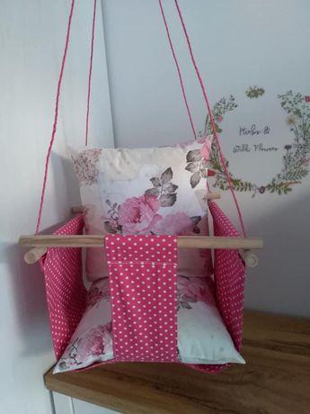 Детска люлка с възглавнички