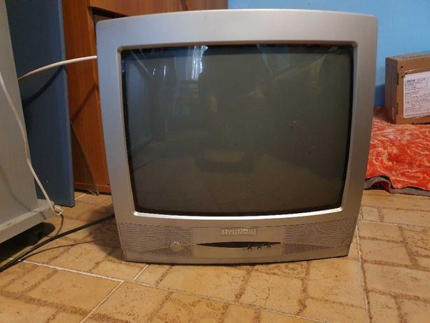 Ocazie ! Televizor color Hyundai 14 M32 TXS cu telecomanda