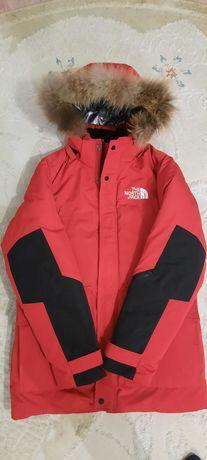 Срочно продам новую зимную куртку модный