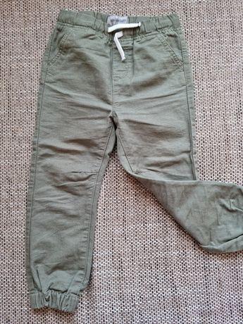 Продам джогеры, джинсы на мальчика 3-5лет